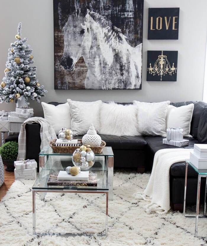 21 Absolutely Stunning Black White Christmas Decoration Ideas In 2020 Black And Silver Living Room Leather Couches Living Room Leather Sectional Living Room