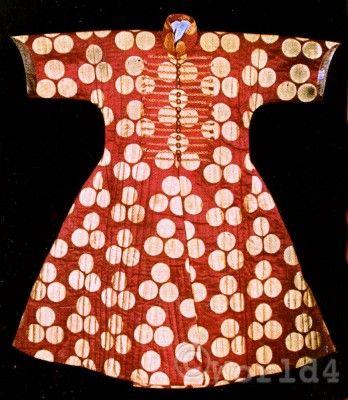 Design of traditional Turkish silk caftan of Sultan Selim I. (1470-1520)