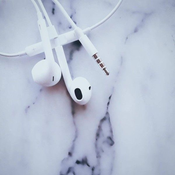 macbook Tumblr ❤ liked on Polyvore featuring accessories, tech accessories, backgrounds, apple iphone earbuds, ear bud headphone, iphone headphones, iphone earbuds and earbud headphones