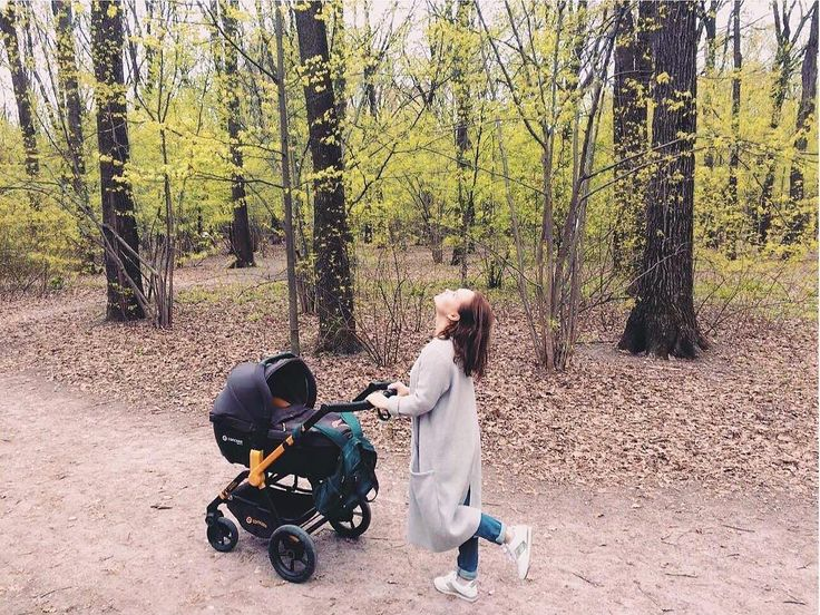 At least Friday!  #friday #friyay #weekend #happy #joy #mother #motherhood #nature #greenlife #outside #outdoors #excursion #mountain #baby #mommy #mom #mum #mummy #concord #concordwanderer #stroll #stroller #pushchair #buggy #poussette #passeggino #cochecito #carrito #repost