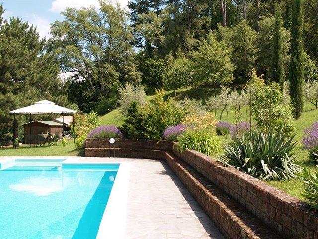 Italien Immobilie In Der Toskana Zu Verkaufen Landhaus Villa Gastehaus In Alleinlage Pool Und Gartenanlage Neuer Kaufpreis 950 Outdoor Outdoor Decor Pool