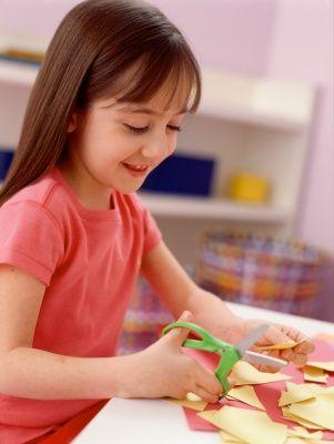 Kembangkan Kreatifitas Anak dengan melakukan beberapa hal ini ... #GaleriAkal Untuk berbagi ide dan kreasi seru si Kecil lainnya, yuk kunjungi website Galeri Akal di www.galeriakal.com Mam!