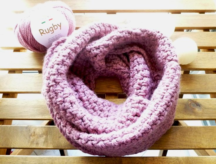 This beautiful dusty rose infinity scarf is perfect during the first, yet chilly days of spring <3