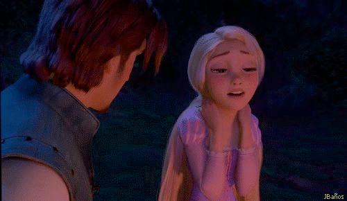 Rapunzel, la pobre huérfana sale de la torre - Rapunzel: Uh, para siempre, supongo Madre Gothel dice que cuando yo era un bebé, la gente trató de cortarlo. Ellos querían tomarlo por sí mismos.