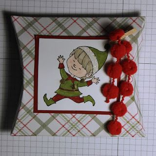 Square Pillow Box Thinlits Dies and Christmas Cuties stamp set by Stampin' Up! shop online 24/7 with independent Stampin' Up! demonstrator Helen Ding