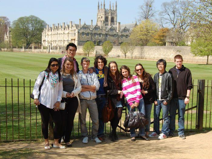 Cursuri de Limba Engleza la Saint Clare's College, Oxford pentru tineri peste 18 ani // http://mara-study.ro/ro/produs/vezi/Cursuri+de+limbi+straine+pentru+tineri+si+adulti/id/1897/50/51/filtru/2/display/Cursuri+de+Limba+Engleza+la+Saint+Clare%27s+College%2C+Oxford+pentru+tineri+peste+18+ani+%282014%29/tara/2