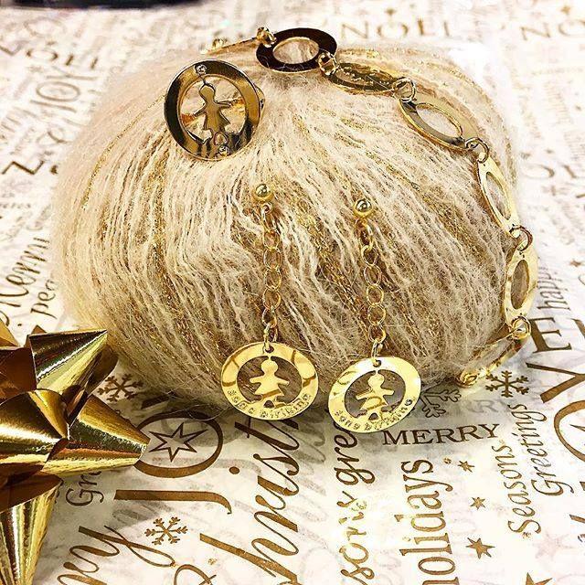 Golden Christmas dal nostro rivenditore Veejay di San Marino!! #birikinidonna #sonobirikina #rivenditoribirikini #natalebirikino