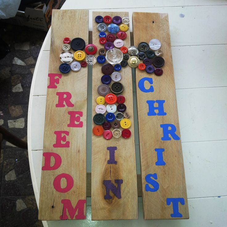 Button Art Cross with words R150