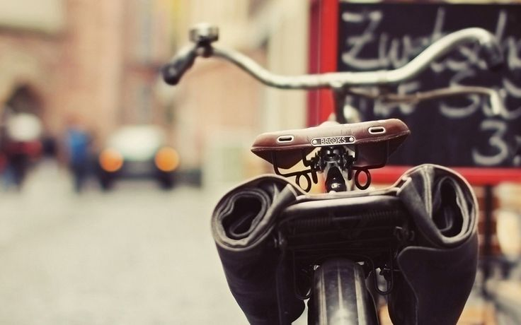 bicycle leather bag city hd wallpaper
