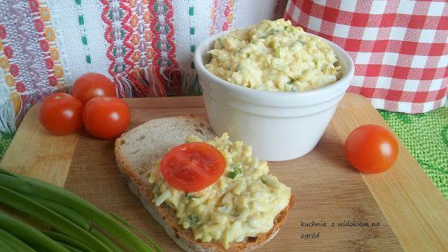 Kuchnia z widokiem na ogród: Pasta z sera żółtego z jajkiem i cebulką. Pasta se...