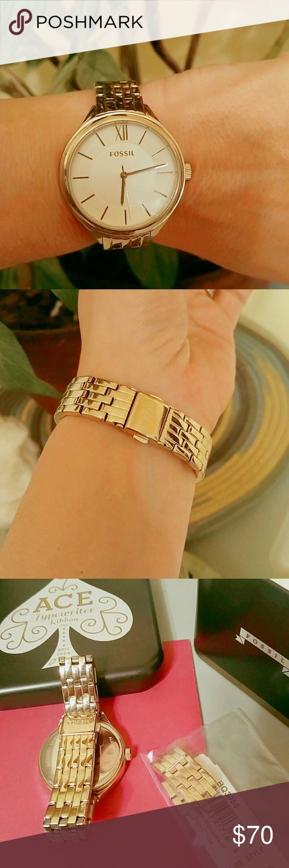 Gold Fossil Watch Gorgeous boyfriend style gold watch.  Original box and extra links included.  Excellent condition.  Bought directly from Fossil and only worn for a few weeks. Price firm unless bundled. 15% off 2+ items. ✨✨ Fossil Accessories Watches