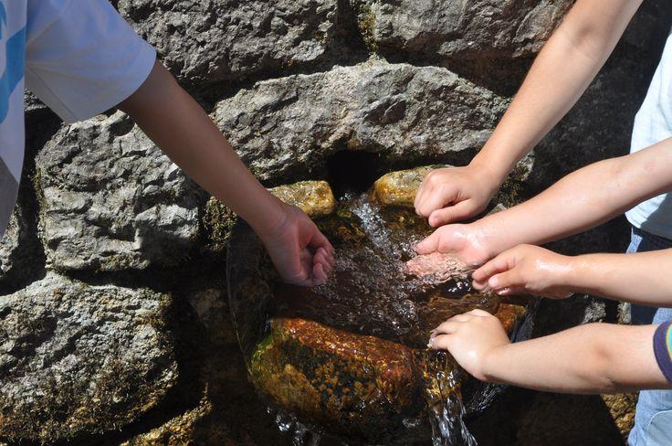 Για πόσο αντέχει το χέρι σου στο νερό της πηγής?