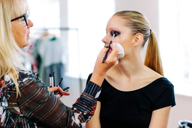 You Can Now Take Legit Makeup Classes Online #refinery29  http://www.refinery29.com/online-makeup-classes