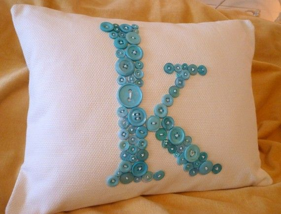 button monogram - very cute!