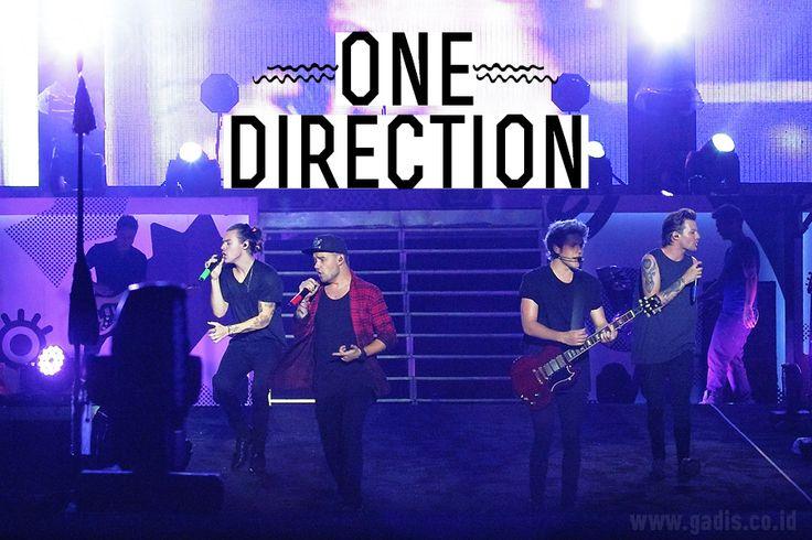 Oleh-oleh dari konser One Direction dalam rangka On The Road Again Tour di Jakarta ^_^