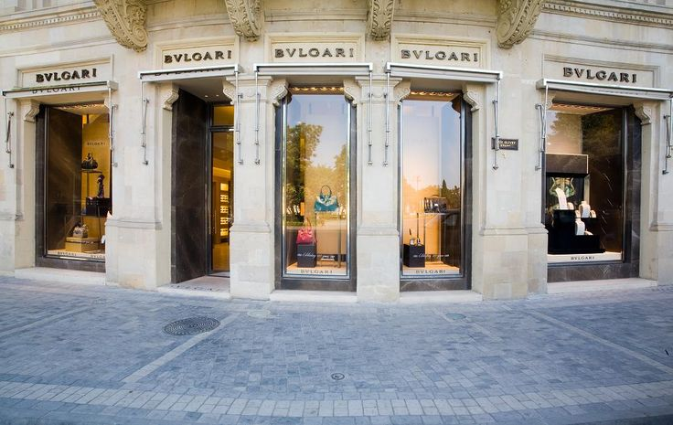 "Bvlgari The first concept store of Bvlgari, well known accessory and jewelry brand, been applicated following the one in Italy is ""BakuBvlgari"" and it is applicated by Elemeği as turnkey"