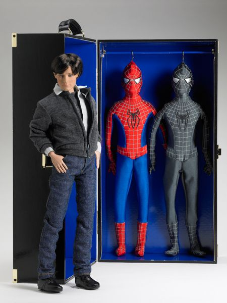 Fao Spiderman Trunk Set Tonner Doll Company Dolls And