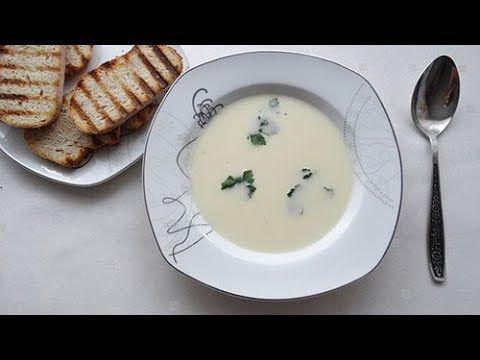 Zupa serowa z grzankami