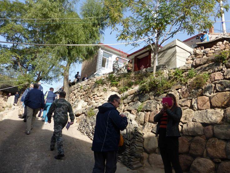 Steep climb to Yangjiazhuang Village