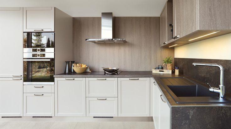 Kuchyně STYLE - kashmir od SYKORA. Barevnost byla inspirována přírodou - tóny jsou zemité kašmírové, základní, těží z atraktivního kontrastu matných a lesklých ploch spotřebičů.