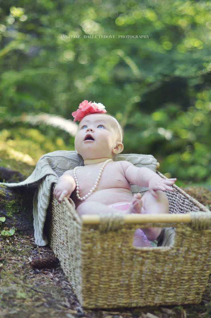 6 month photoshoot. Photography/Baby/Outdoors/WestCoast..  Angeline Dalle Vedove | Photography   http://angelinedallevedov.wix.com/angelinedallevedove#!family/cwvn