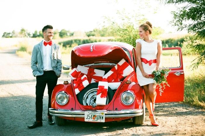 piros VW és nászajándékok