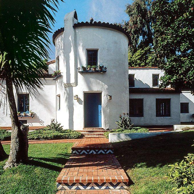 Bottega Venetas New Store Is An Ode To West Coast Mediterranean Archi Spanish Revivalspanish
