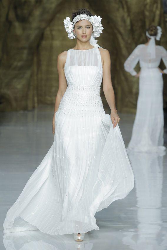 Stunning Desfile de Pronovias en Barcelona Bridal Week Moda nupcial Vestidos de novia
