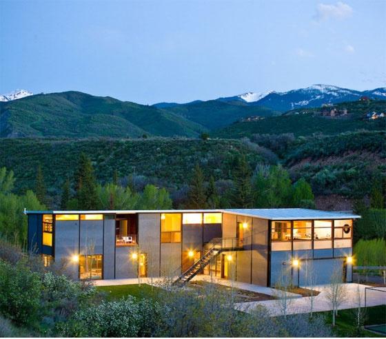 modern modular home by flatpak - Hive Modern Prefab