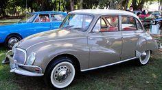 Você que é Apaixonado por carros antigos e esta a procura de imagens de carros antigos aqui no imagenstop você acaba de encontrar uma coleção de imagens.