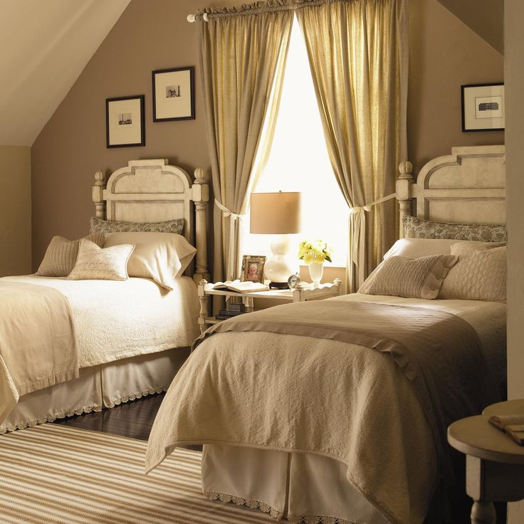 Twin #bedroom.  For more traditional home ideas: www.hamptonyorkho...