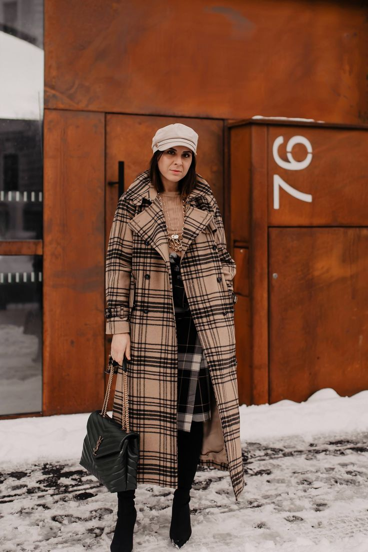 Karo mit Karo kombinieren: Mein Winter Outfit mit Rock und Trenchcoat! – Who is Mocca? – Fashion Trends, Outfits, Interior Inspiration, Beauty Tipps und Karriere Guides