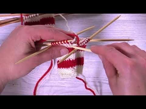 Näin neulot raitojen värinvaihtokohdan huomaamattomasti - YouTube