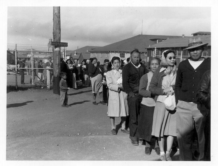 japanese internment camps during wwii essay Farewell to manzanar: life in a japanese internment camp during wwii topics: japanese american japanese internment wwii essay japanese internment: us.