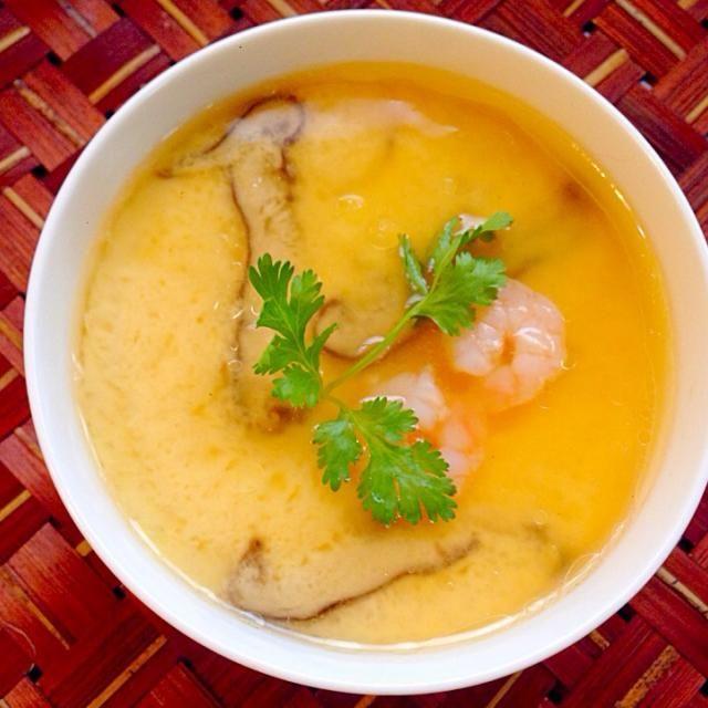 鶏皮でスープ作ったので、蒸しついでに茶碗蒸し♨️ぷるるんと出来上がって嬉しい - 76件のもぐもぐ - Steamed egg hotchpotch♨️中華風茶碗蒸し by Ami