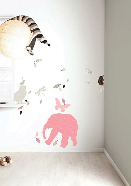 Set roze dieren muurstickers met grote olifant voor meisjes.