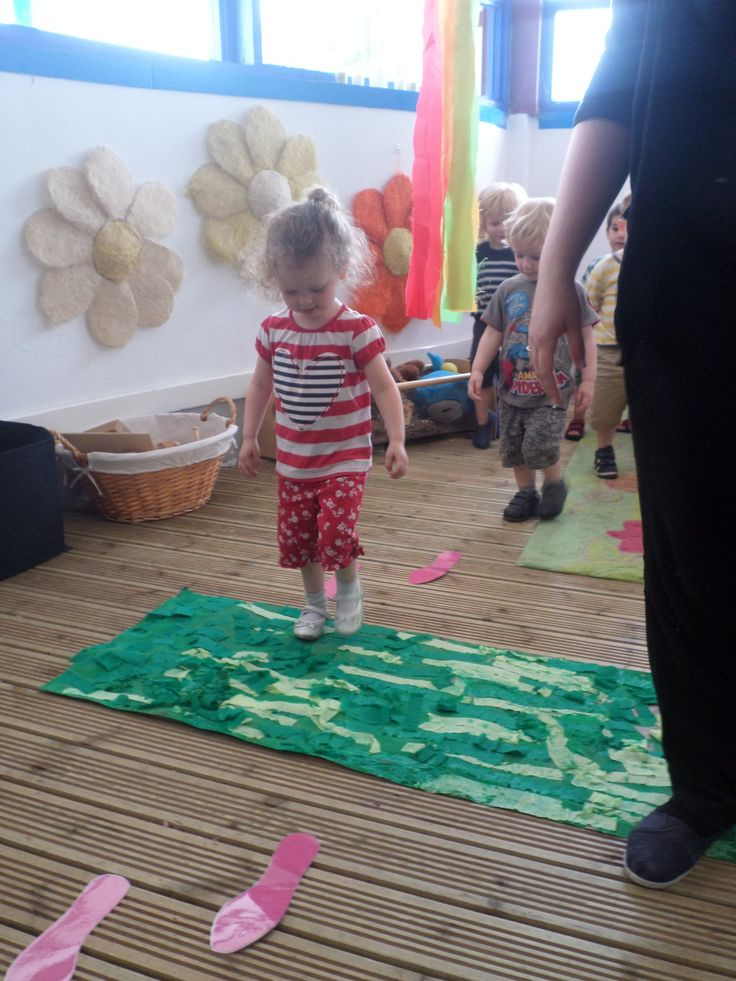 KC tots going on a bear hunt