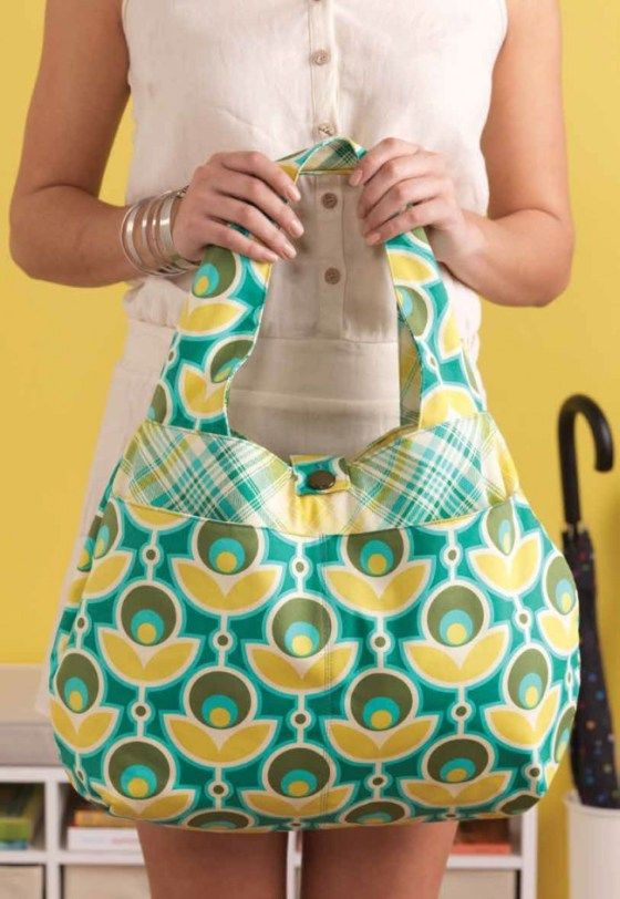 A Large Reversible Slouchy Bag - #Sewing Pattern by Lisa Polderman