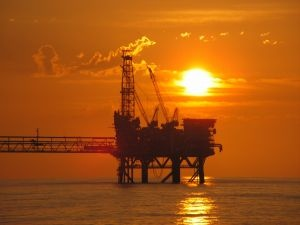Oil Rigs Jobs – Things You May Not Know  Starting your oil industry career as a roustabout will see you offshore quicker than almost any other oil rig job.    Having a skill, trade or special qualification will put you in a much better position for getting a job on an oil rig. Depending on the oil company, starting off as a roustabout is often a quicker way to get an oil rig job than trying to go directly into your area of expertise without any experience on an oil rig.