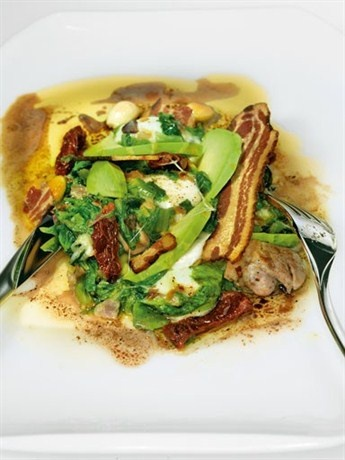 Теплый салат с куриной грудкой