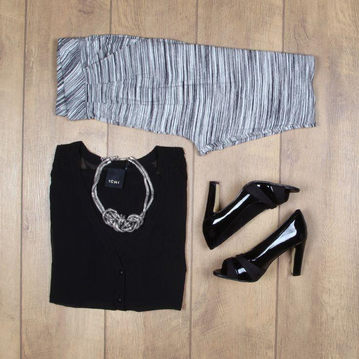 Broek met relaxed fit + pumps = de outfit voor het chique(re) festival