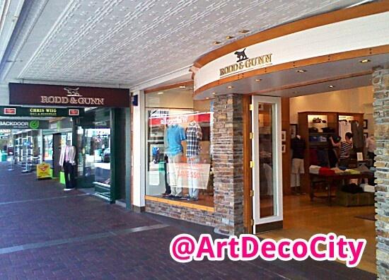 #RoddGunn in #Napier >> find them in http://artdecocity.co.nz