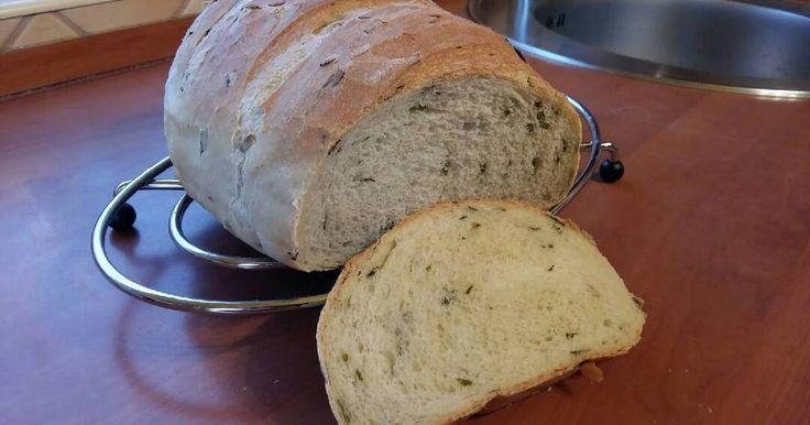 Mennyei Medvehagymás kenyér tej- és tojásmentesen recept! Itt a medvehagyma szezon, itt az ideje a mindennapi kenyerünket is feldobni vele. Ne hagyjuk ki ezt a fantasztikus fűszert, igazi pikáns kenyér készül vele 😀
