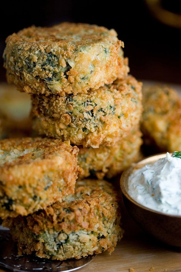 Potato, salmon and spinach patties with garlicky dill cream recipe (Photo: Andrew Scrivani for The New York Times)