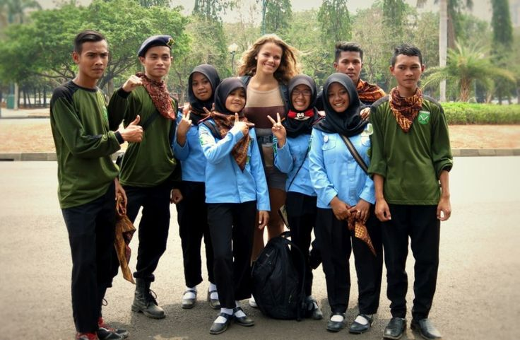 Janys in ...: How to become famous in Indonesia