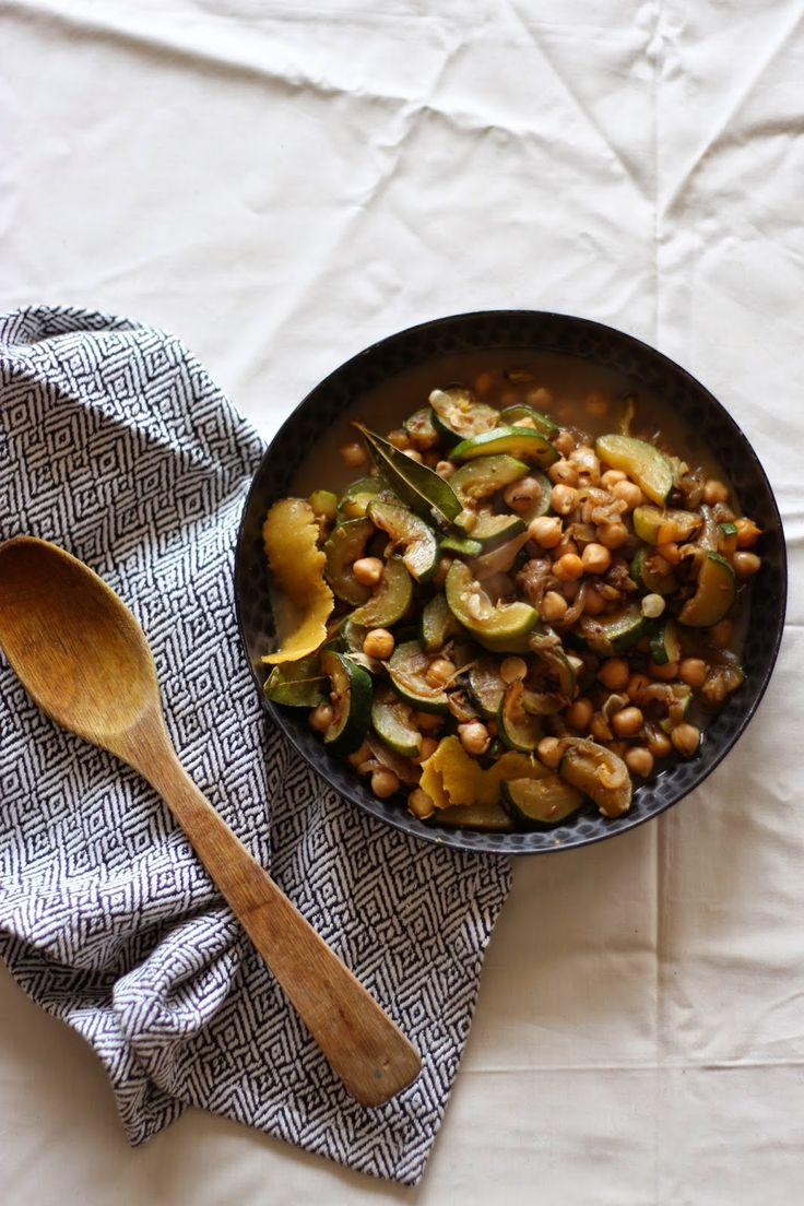 Lemon pie and tie&dye: Tajine de courgettes et pois chiches au citron // Chickpea and zucchini lemon tajine