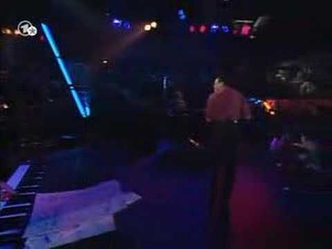 "Al Jarreau - Steve Gadd - Mas Que Nada - YouTube -- Live in ""Ohne Filter Extra"" 1994 with steve gadd and others"