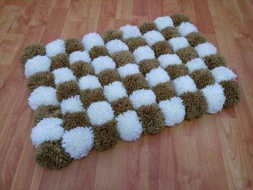 Alfombra de pompones lana decoraci n habitaci n vs medidas - Alfombra de pompones ...