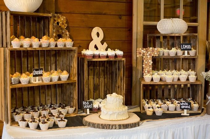 Rustic Cupcake Display An Everal Barn And Homestead Wedding Westerville Ohio Marissae