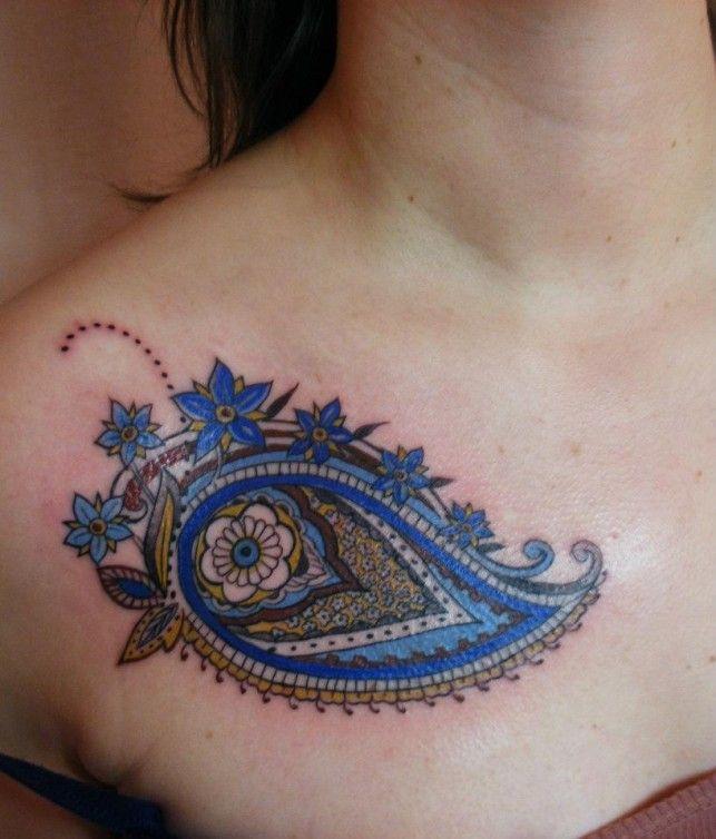 A paisley tattoo design by Amsterdam tattoo artist Barbara Swingaling